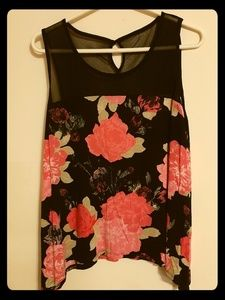 INC International Concepts black & Floral Top L